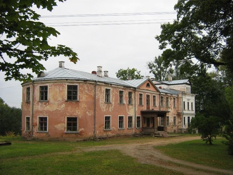 Vaade peahoone esiküljele Foto Anne Kivi 19.09.2008