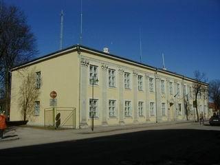 Kohtuhoone Tallinna maanteelt. Foto: Lilian Hansar ca 2005.