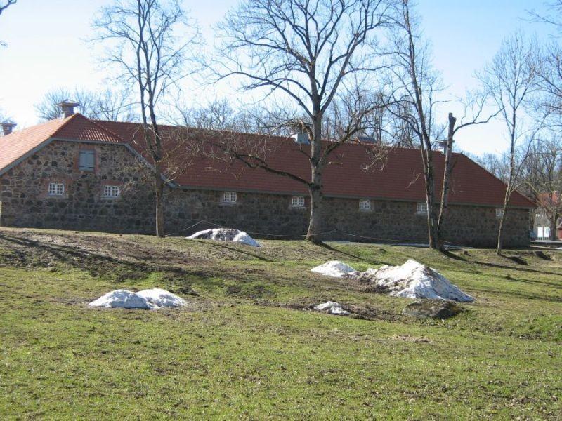 Olustvere mõisa tallid Foto Anne Kivi 19.04.2011