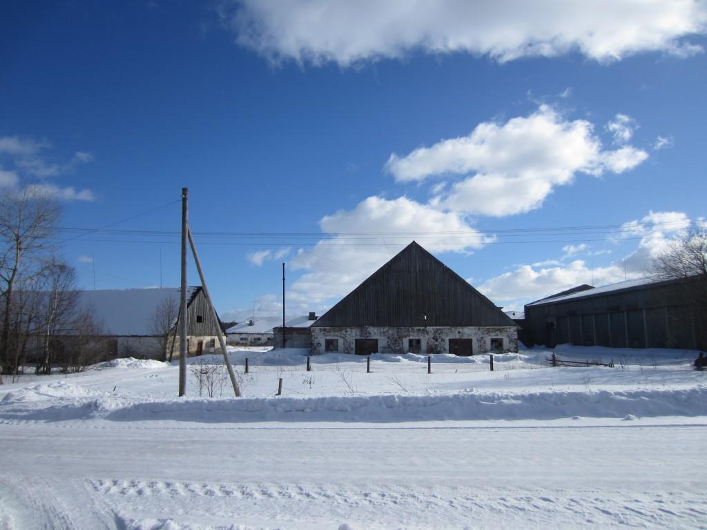 15676 Neeruti mõisa karjalaut 1, vaade loodest, peahoone poolt, pilt: Anne Kaldam, aeg: 07.03.2013