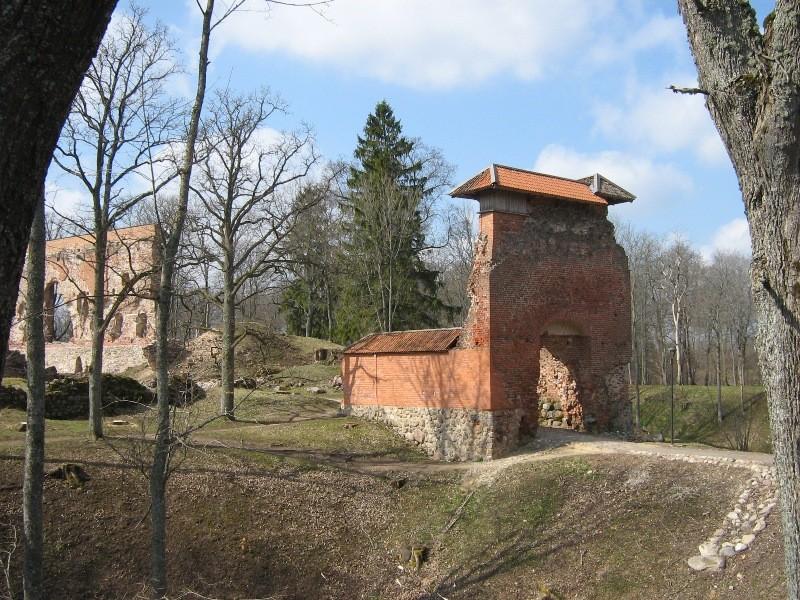 Vaade ordulinnuse peaväravale Foto Anne Kivi 26.04.2012