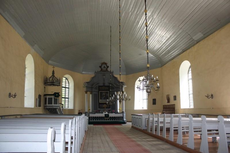 Tõstamaa kirik, interjöö vaade itta. Foto: Sille Sombri, juuni 2012