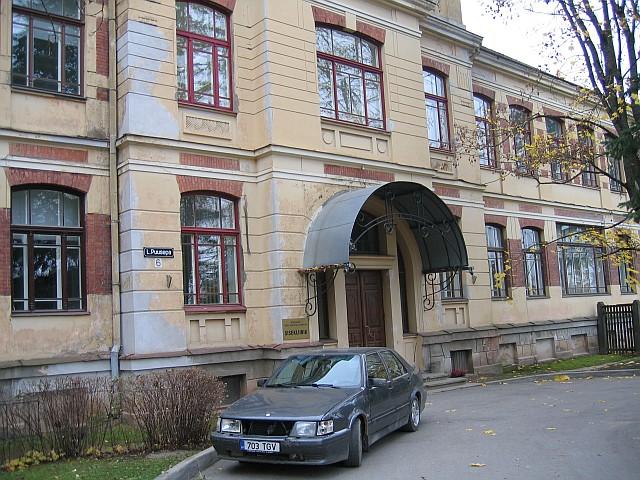 Puusepa 6 peasissepääs  Autor Egle Tamm  Kuupäev  24.10.2007