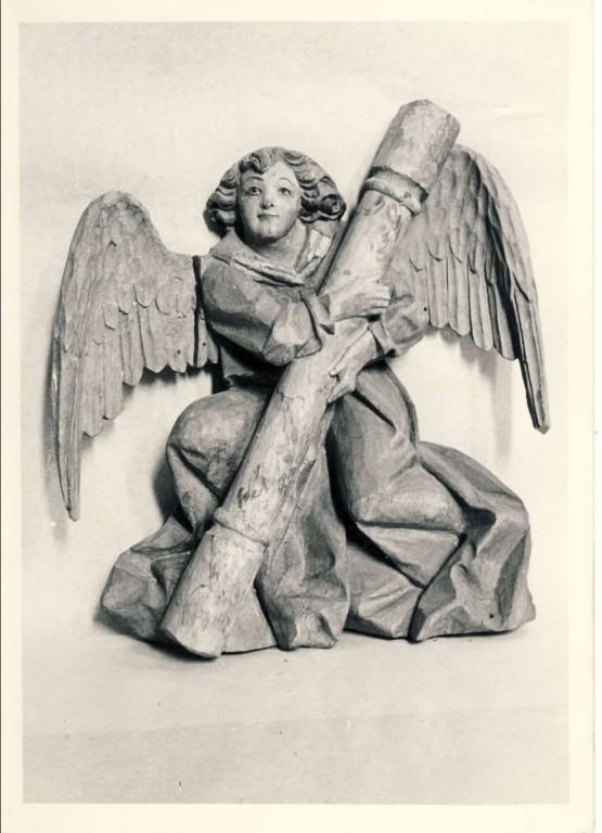 Ingli figuur. Altari pealisel paikneva niši figuur varastati 12. veebruaril 1999 Foto: Boris Mäemets 1964