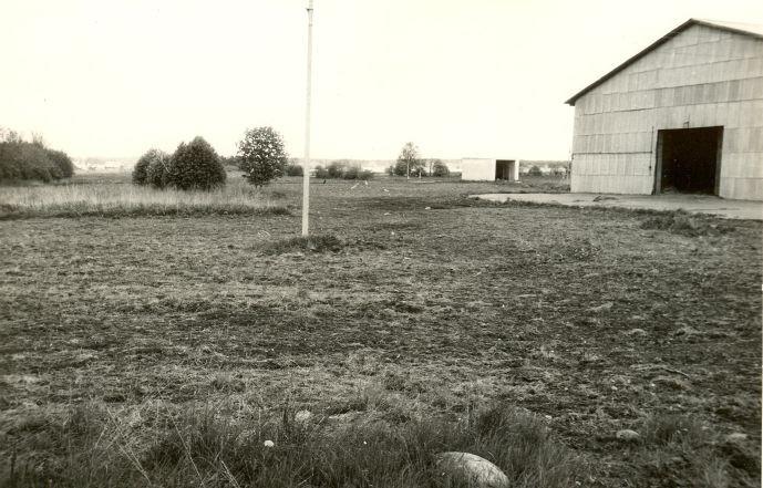 Asulakoht - lõunast. Foto: E. Väljal, 01.06.1991.