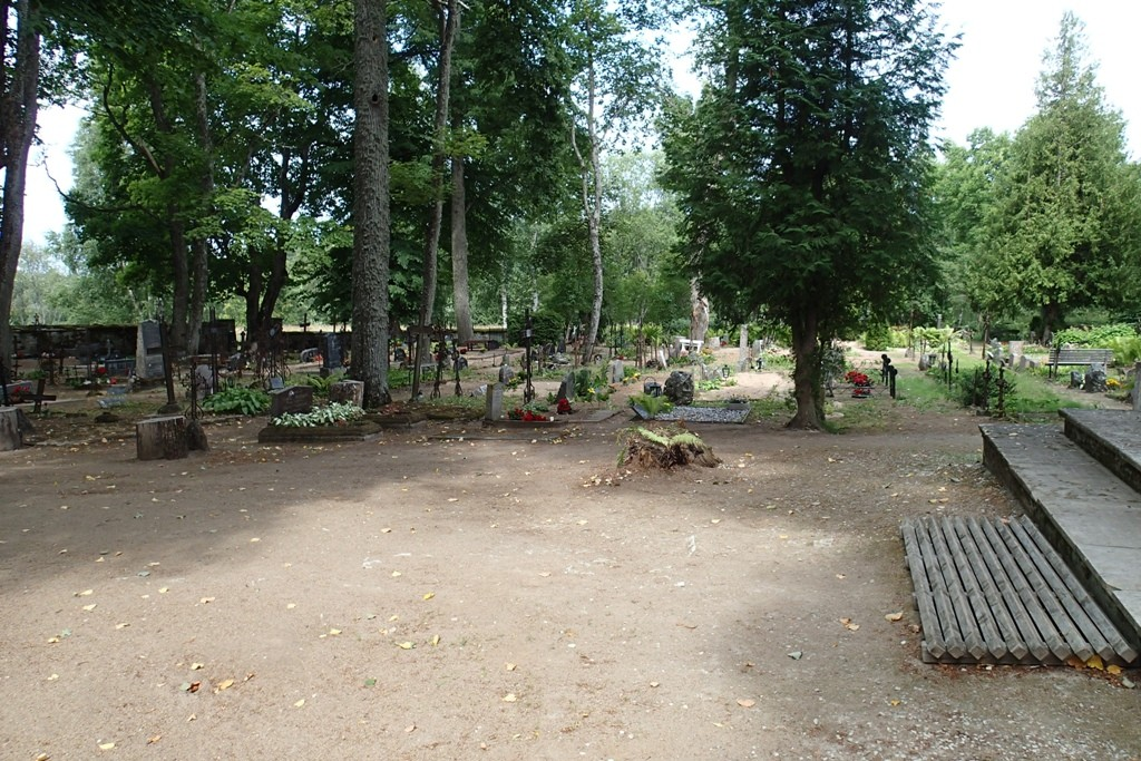 Ilumäe kalmistu, reg. nr. 5794. Foto: M.Abel, kp. 30.07.13