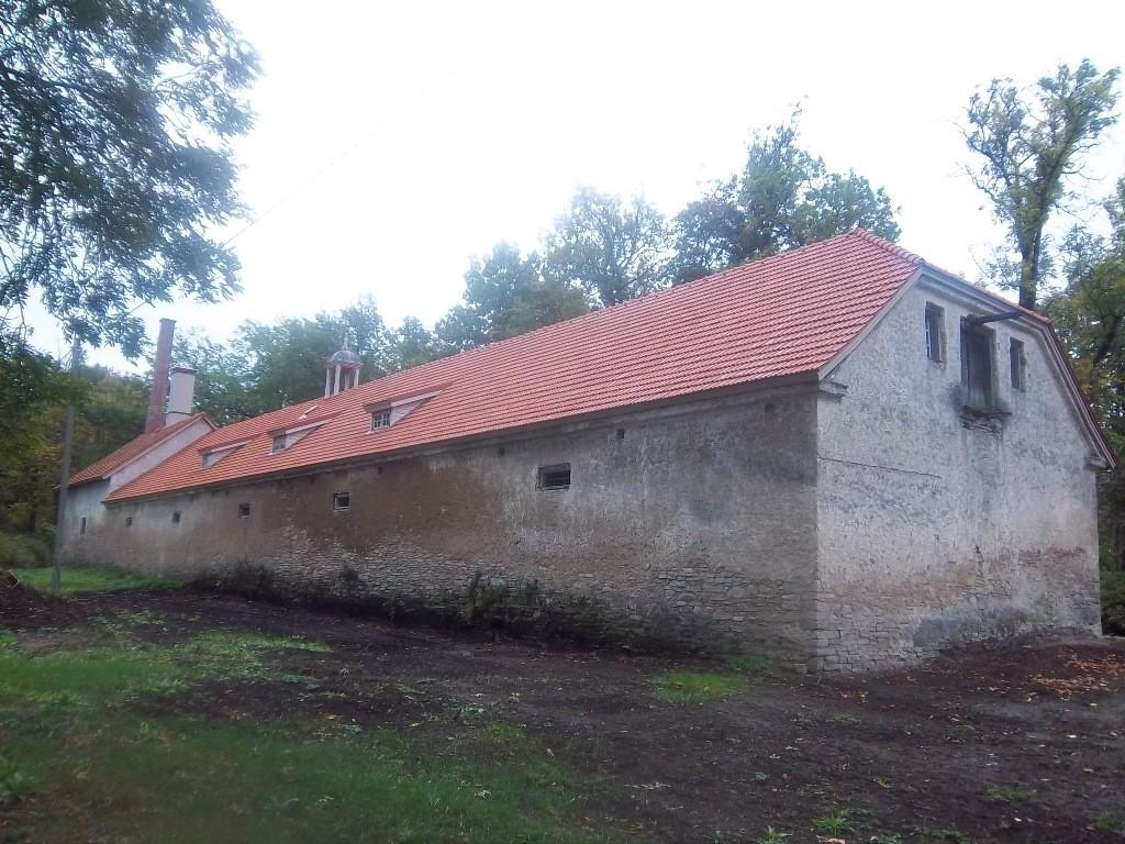 Raikküla mõisa aida tagakülg. K. Klandorf 18.09.2013.