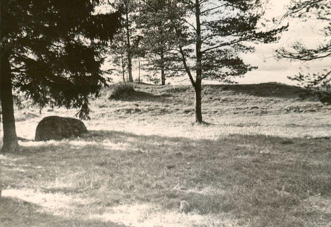 Maa-alune kalmistu. Foto: Ilves.