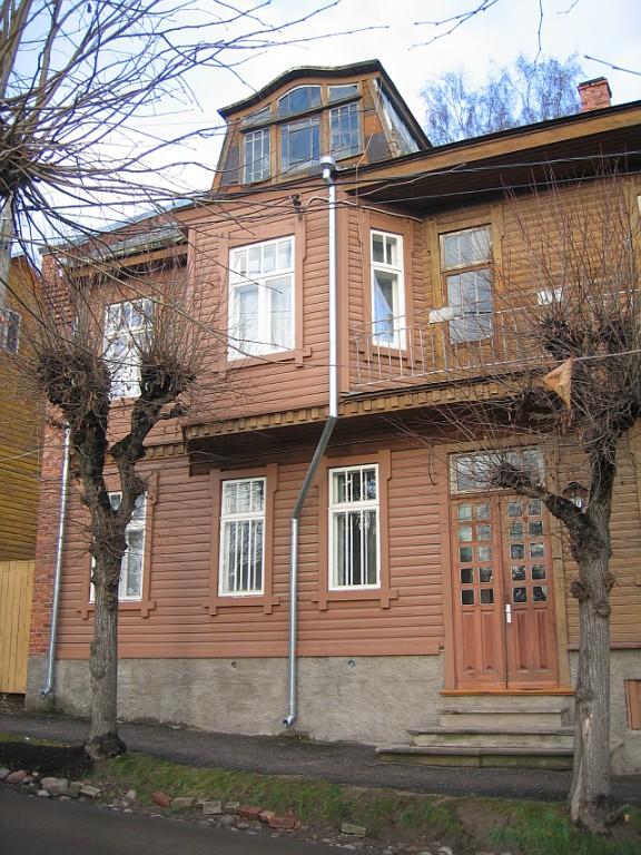 Tolstoi 20 läänepoolne esifassaad  Autor Egle Tamm  Kuupäev  20.11.2007