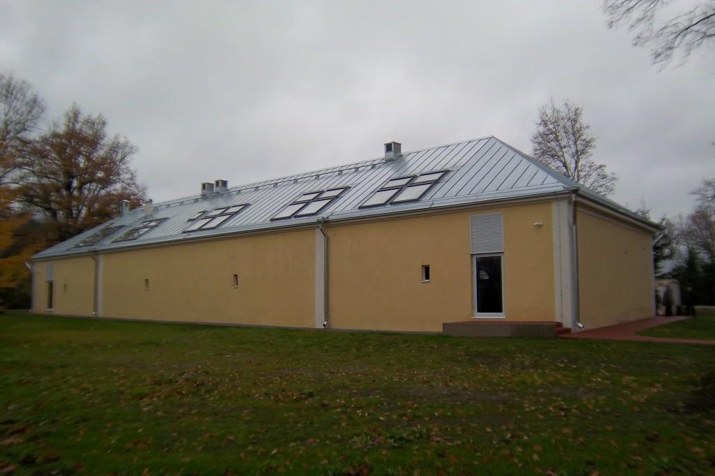 Mäetaguse mõisa ait 1, 19.saj. Tagakülg. Foto: Kalle Merilai 18.10.2013.a.