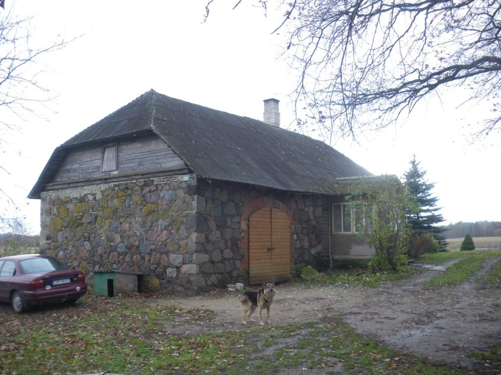 Saka mõisa möldrimaja, 19.saj. Vaade põhjast. Foto: Kalle Merilai 28.10.2013.a.