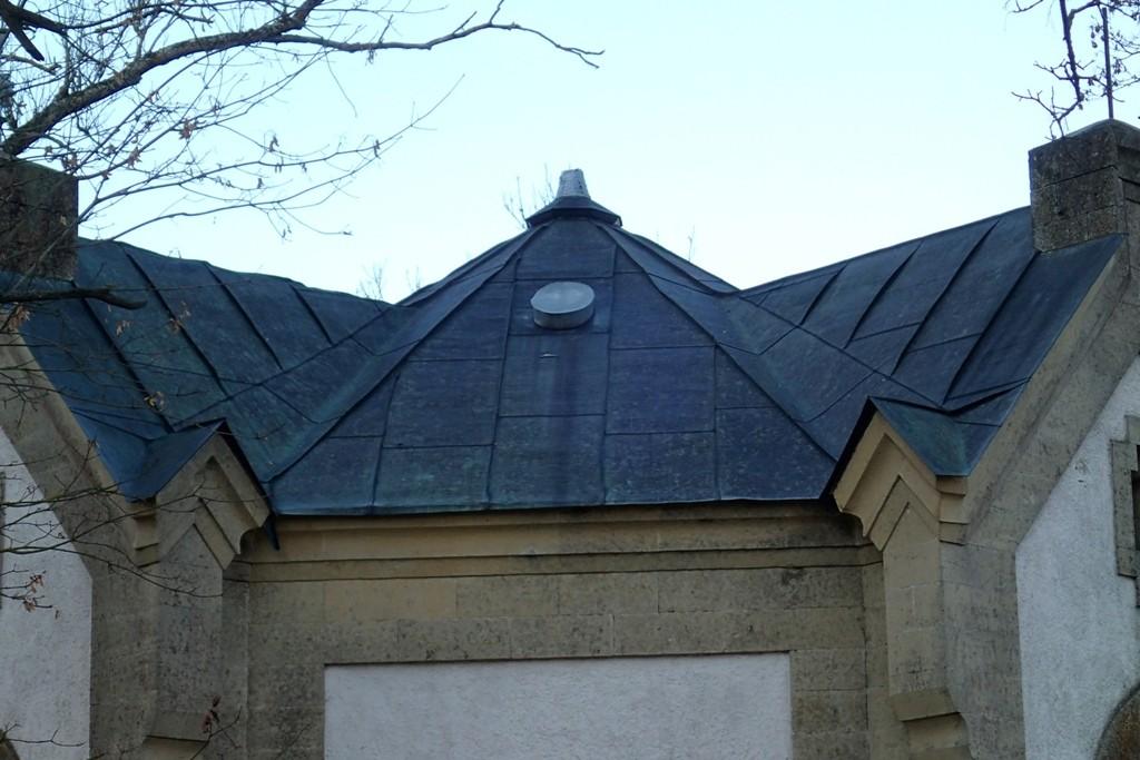Haljala kirikuaia kabel 1, reg. nr 15649. Vaade katusele. Foto: M.Abel, kp 22.10.13