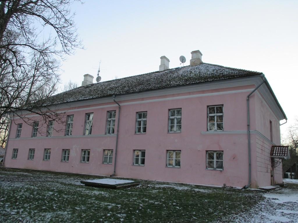 Järlepa mõisa peahoone tagakülg. K. Klandorf 02.12.2013.