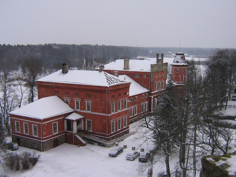 Porkuni mõisa peahoone :15846 VAADE loodest Porkuni linnuse väravatornist  Autor Anne Kaldam  Kuupäev  08.01.2008