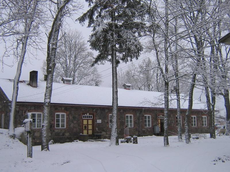 Undla mõisa teenijatemaja reg. nr.15690. vaade põhjast  Autor Anne Kaldam  Kuupäev  23.01.2008