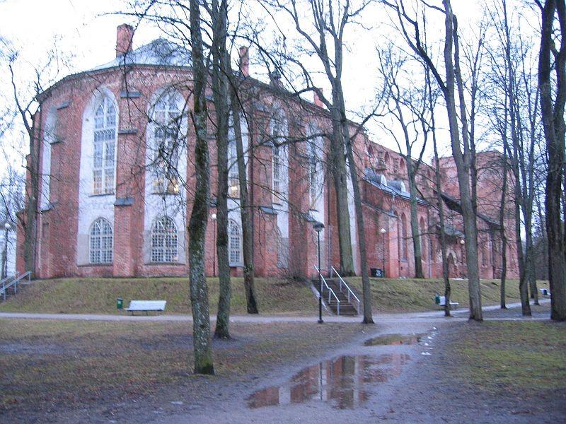 Toomkirik kirdest vaadatuna. Foto Egle Tamm, 18.02.2014.