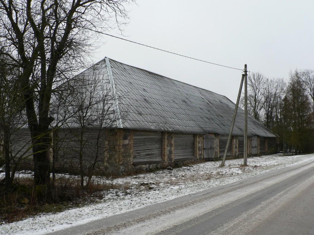 Karinu mõisa küün (vaade loodest).  Autor Tavo Tamm  Kuupäev  07.02.2008