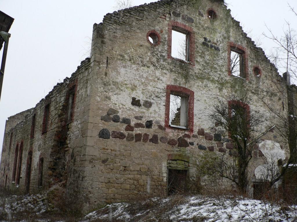 Käravete mõisa viinavabrik (vaade kagust)  Autor Tavo Tamm  Kuupäev  07.02.2008