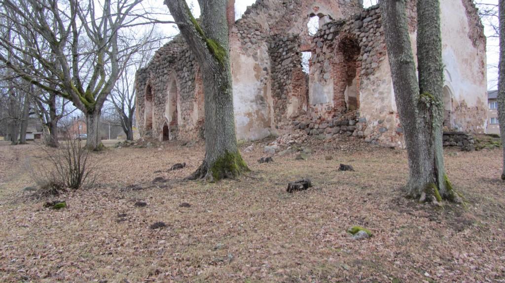 Karula kirikaed reg nr 13095. Foto: Ingmar Noorlaid, 19.02.2014.