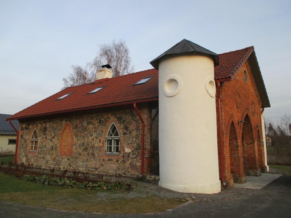 Käru mõisa sepikoda, vaade läänest. Foto: K. Klandorf 24.02.2014.