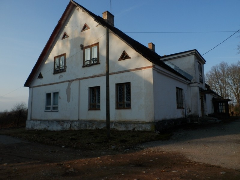 Õisu mõisa teenijatemaja lõunast Foto Anne Kivi 28.02.2014
