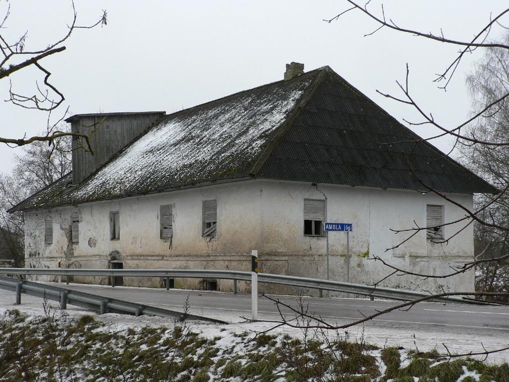 Käravete mõisa vesiveski (vaade kirdest).  Autor Tavo Tamm  Kuupäev  21.02.2008