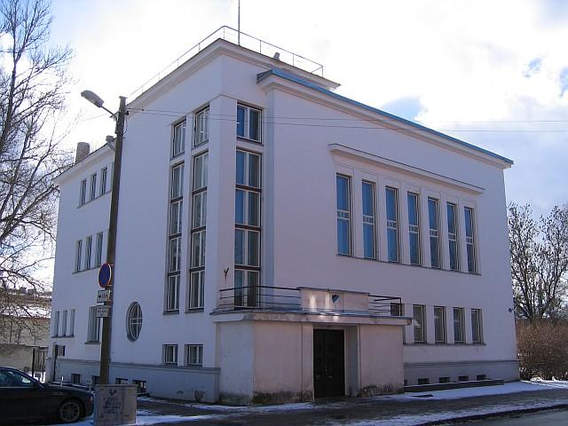 Kuperjanovi 16 ida poolt  Autor Egle Tamm  Kuupäev  05.03.2008