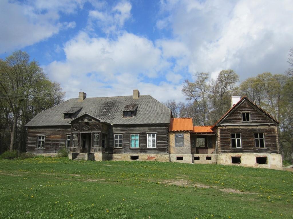 15656 Arbavere mõisa peahoone, vaade idast. Foto: Anne Kaldam 15.05. 2014