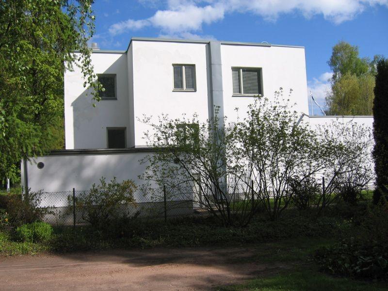 Kreutzwaldi 6 Tähtvere mõisa poolne otsavaade. Foto Egle Tamm, 16.05.2014.