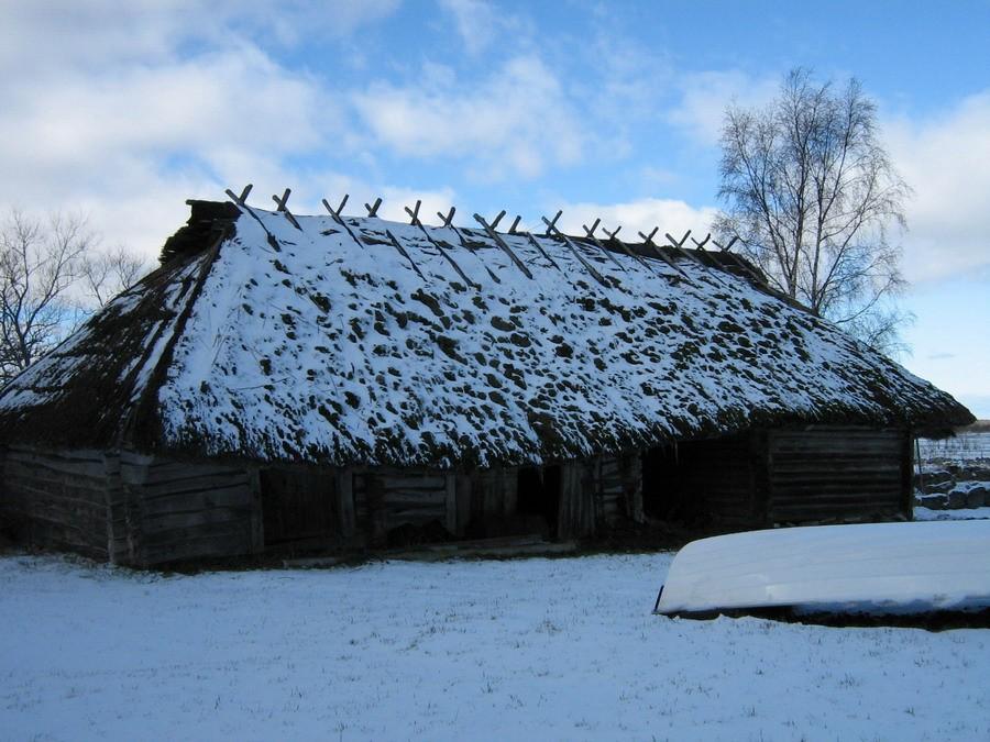 Vaade hoovi poolt idast  Autor Kalli Pets  Kuupäev  05.03.2008