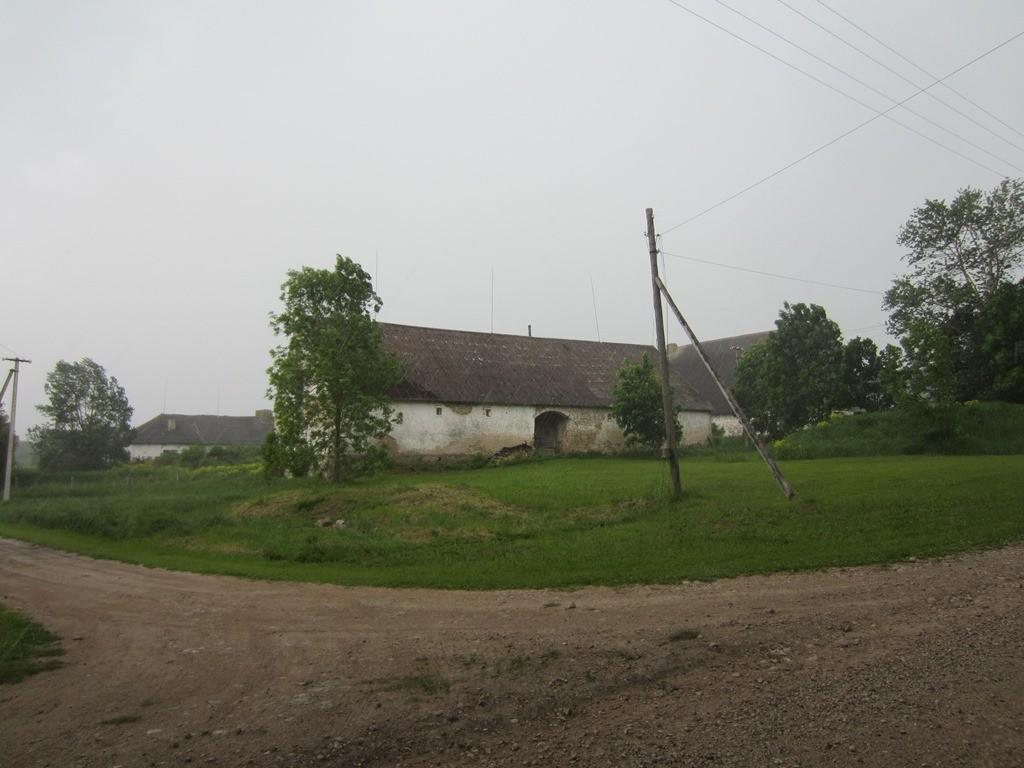 Neeruti mõisa ait, vaade peahoone poolt st. põhjas. pilt: Anne Kaldam 06.06.2014