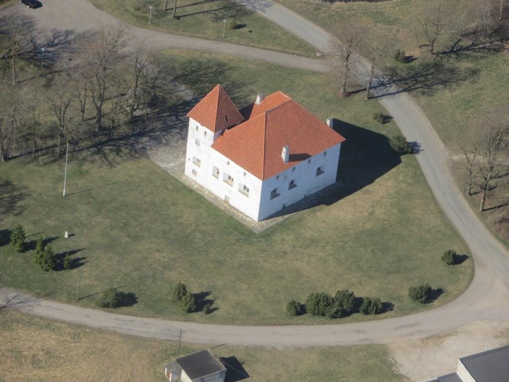 Purtse kindluselamu, reg nr 13928, aerofoto, 22.04.2014. Foto: Ingmar Noorlaid.
