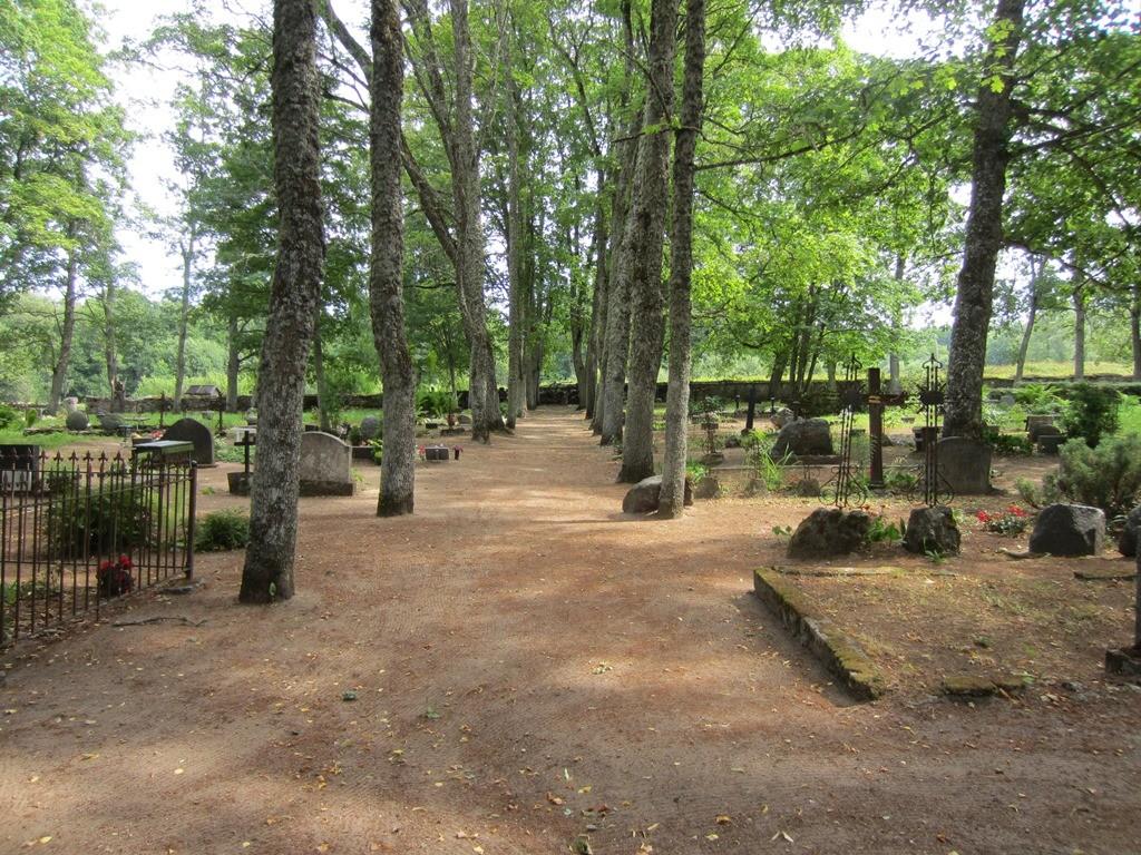 5794 Ilumäe kalmistu, vaade kalmistu idapoolsele osale. Foto: Anne Kaldam 30.07.2013