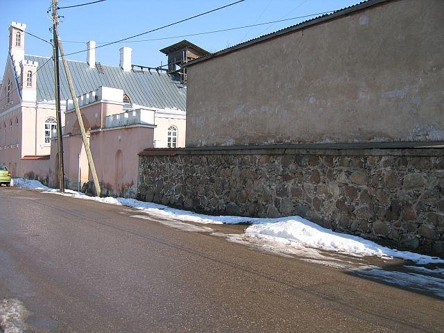 Karlova mõisa piirdemüür ja värav  Autor Egle Tamm  Kuupäev  31.03.2008