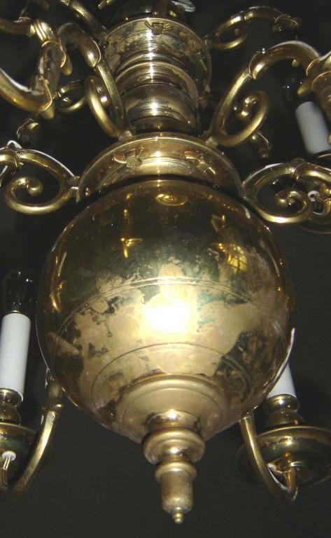 Kroonlühter kahepealise kulliga ja kümne tulega. KAR, 1990. Detail. Foto: S.Simson 02.10.2005