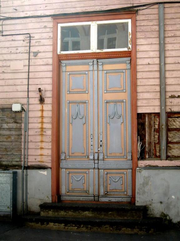 Rüütli tn 3 välisuks  Autor Liina Hansen  Kuupäev  28.04.2008