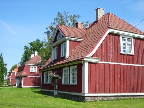 elamud Paide mnt-l    Autor Peirumaa    Kuupäev  26.07.2004