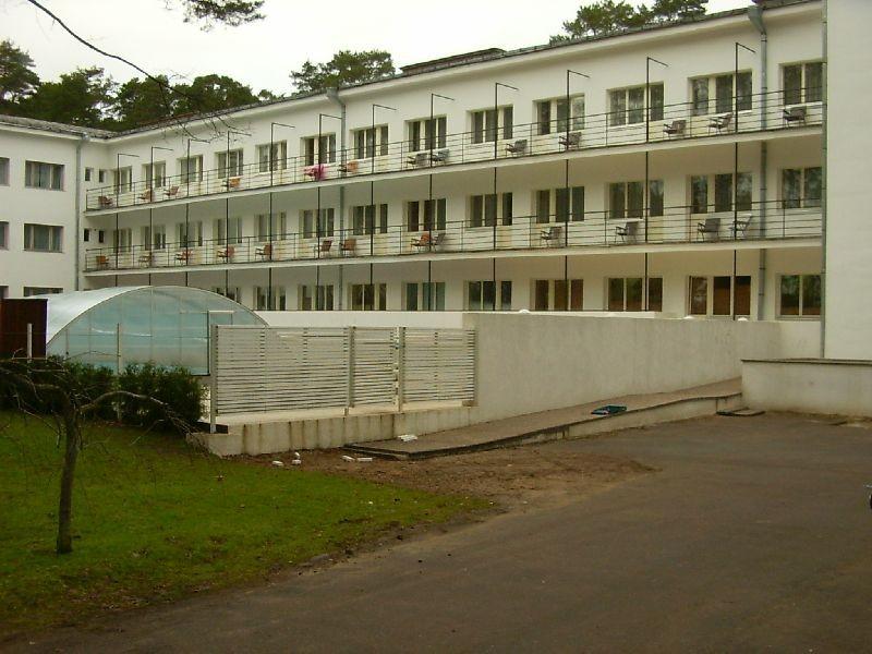 Narva-Jõesuu sanatooriumi peakorpus, 1961.  Autor Tõnis Taavet  Kuupäev  22.05.2007