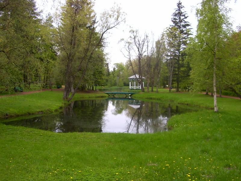 Narva-Jõesuu kuursaali park, 19.saj.  Autor Tõnis Taavet  Kuupäev  20.05.2008
