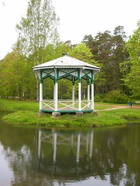 Narva-Jõesuu kuursaali pargi lehtla, 19.saj.  Autor Tõnis Taavet  Kuupäev  20.05.2008