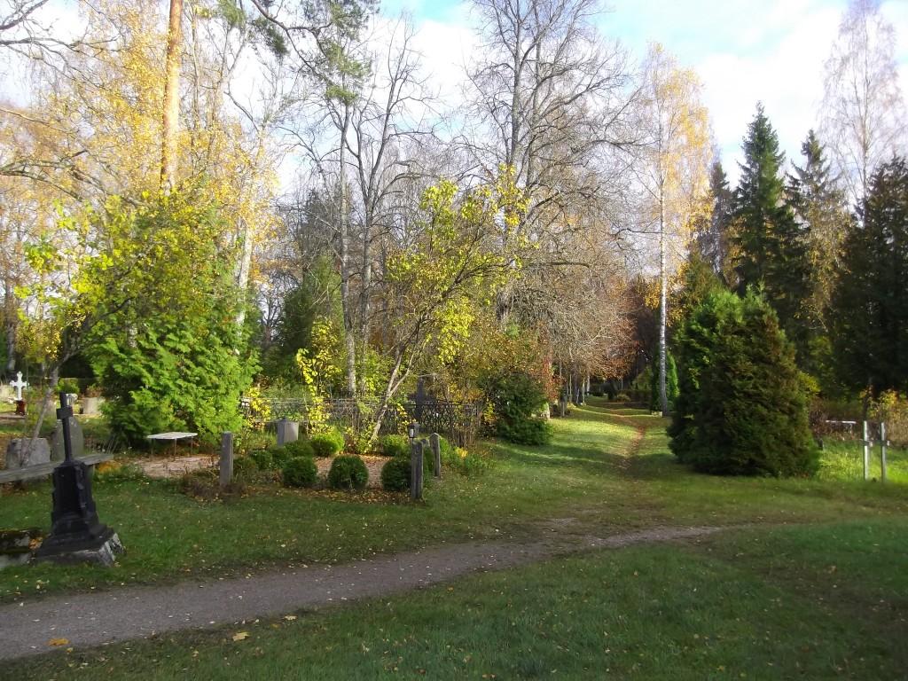 Kalmistu keskosa. Foto Silja Konsa 16.10.2014