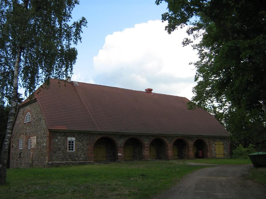 Lahmuse mõisa tall-tõllakuur Autor Anne Kivi  Kuupäev  13.06.2008