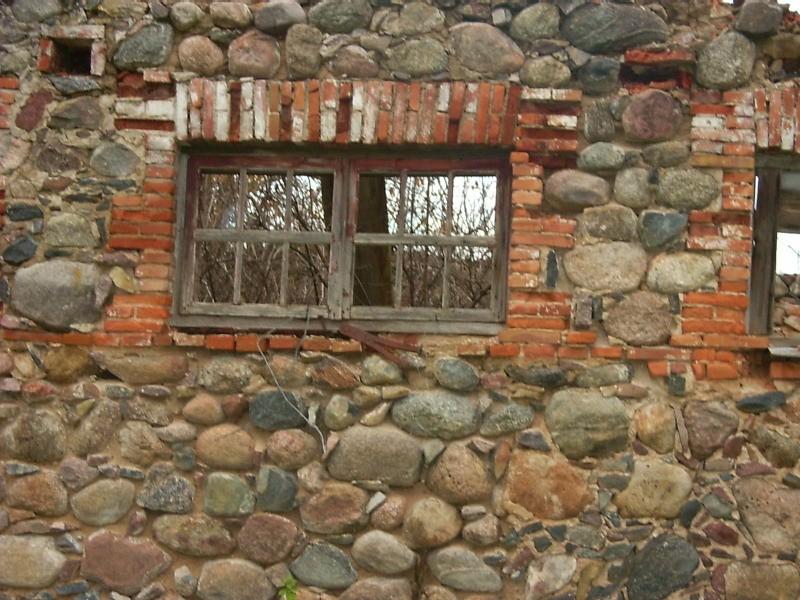 Fragment talli varemetest  Autor Viktor Lõhmus  Kuupäev  26.10.2004