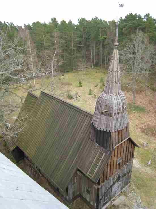 Ruhnu vana kirik, 2008. Foto: Rita Peirumaa. Kuupäev  17.04.2008