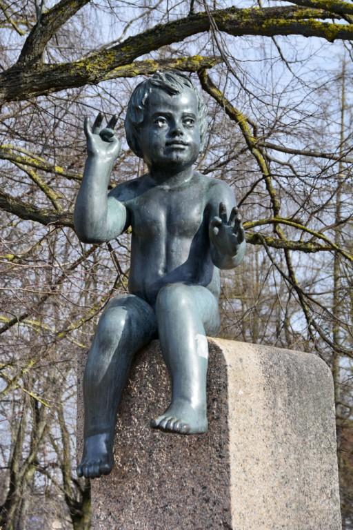 84 lapse skulptuur, Ü.Jukk, 10.03.2015