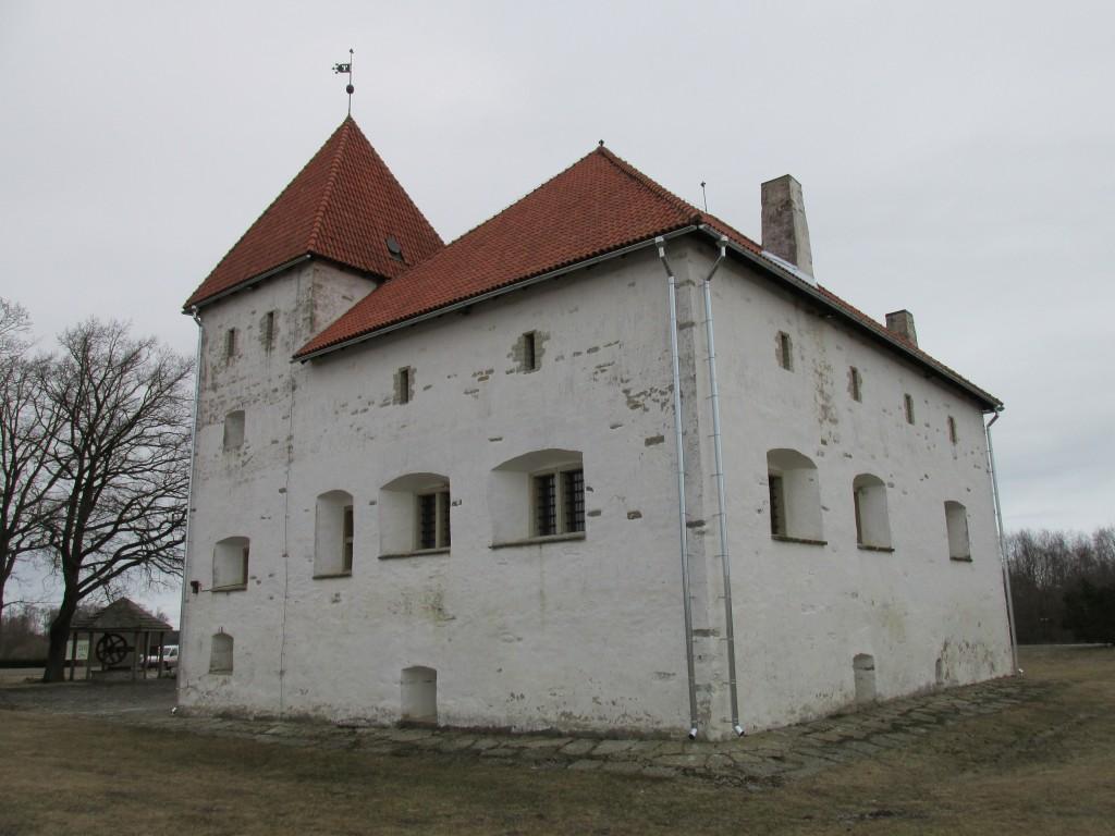 Purtse kindluselamu, 16.saj.,1990. Vaade lõunast. Foto: Kalle Merilai 25.03.2015. a.