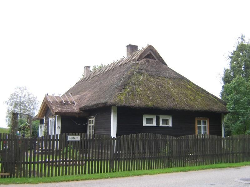 Lillebergi talu elamu : 15651 vaade tänavalt-põhjast  Autor Anne Kaldam  Kuupäev  03.09.2008
