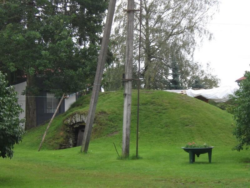 Lillebergi talu kelder :15654 vaadel äänest  Autor Anne Kaldam  Kuupäev  03.09.2008