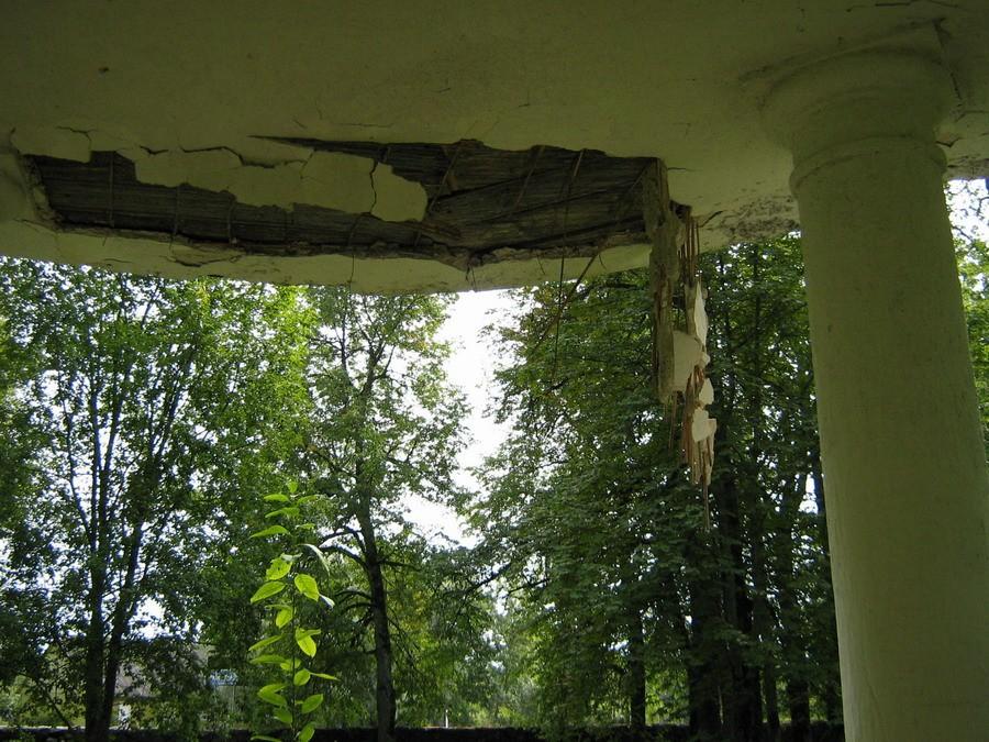 Koluvere pargipaviljoni lagunev krohv  Autor Kalli Pets  Kuupäev  03.09.2008