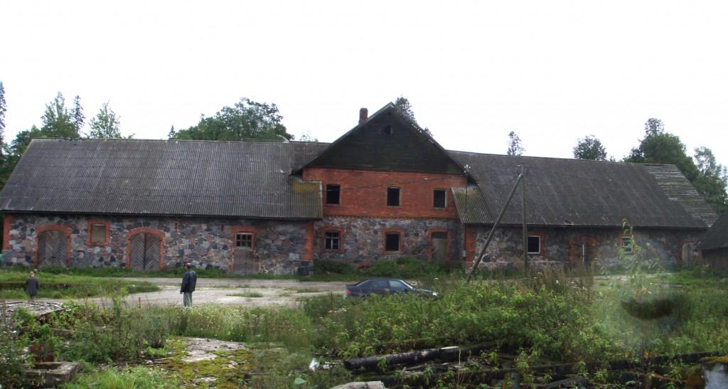 Tall-ait läänefassaad  Autor Sille Raidvere  Kuupäev  04.09.2008